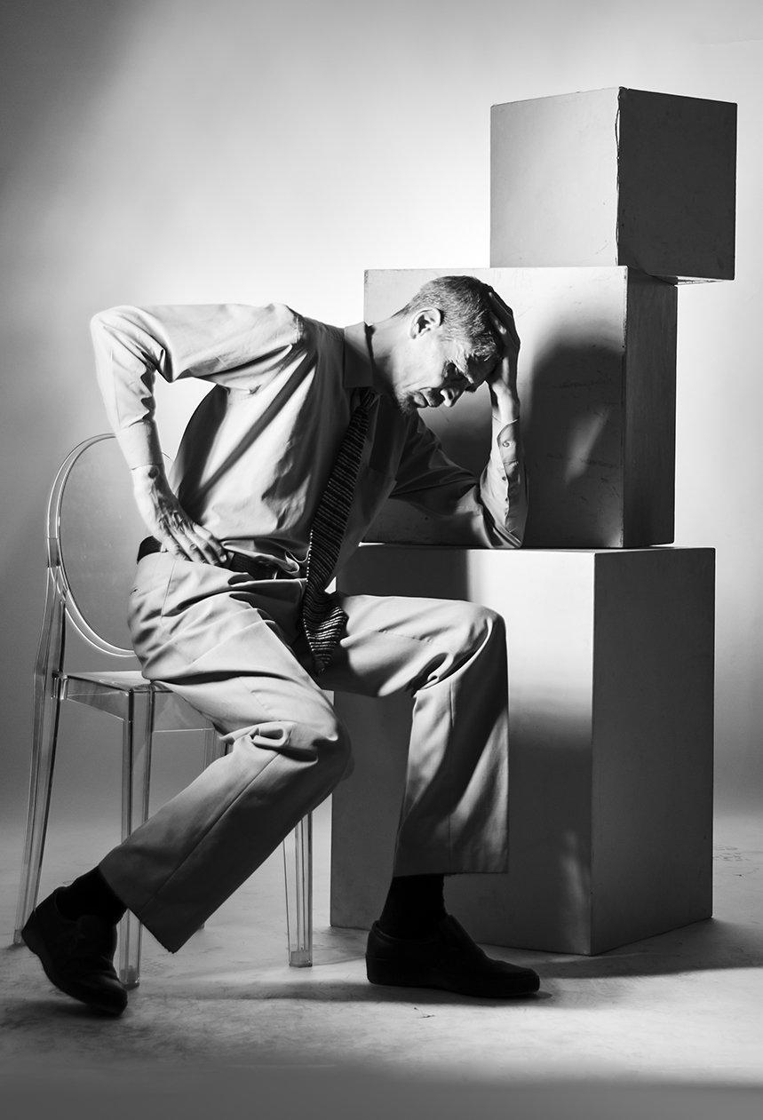 портрет, студия, классический, чёрно-белый, концептуальный, мужской портрет, мыслитель, графика, экспрессия, Давыдов Михаил
