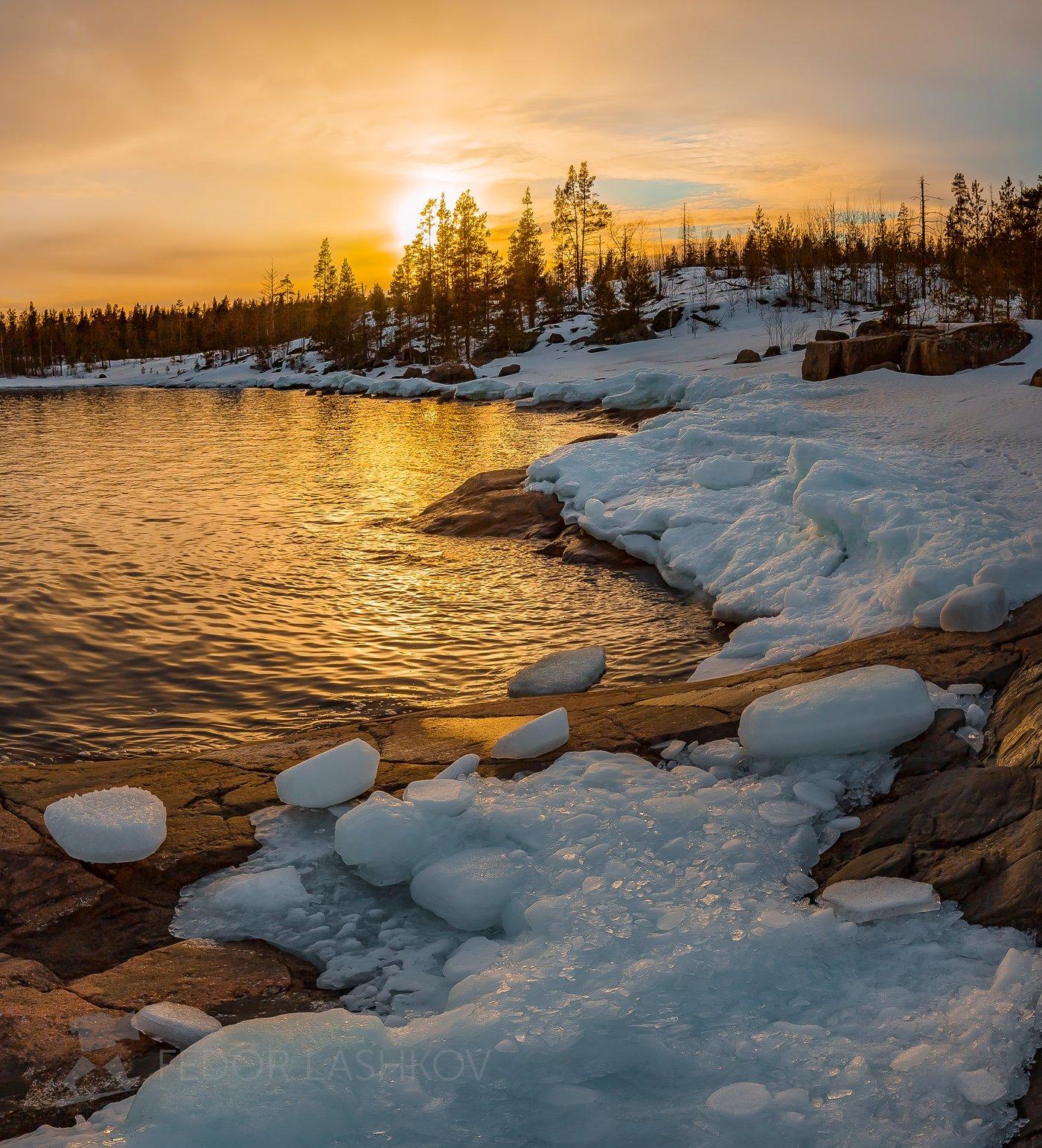 ладожское озеро, карелия, зима, в снегу, закат, облака, снег, зимнее, камни, лёд, льдины, отражение, вода, бухта, залив,, Лашков Фёдор