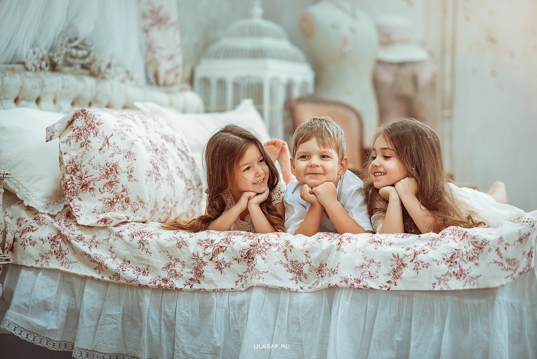 art photo, art, портрет, portrait, зима, winter, ребенок, дети, кровать, рождество, праздник, радость, малыши, друзья, happy, любовь, love, 105mm, kid, children, beautiful, people, eyes, face, Юлия Сафо