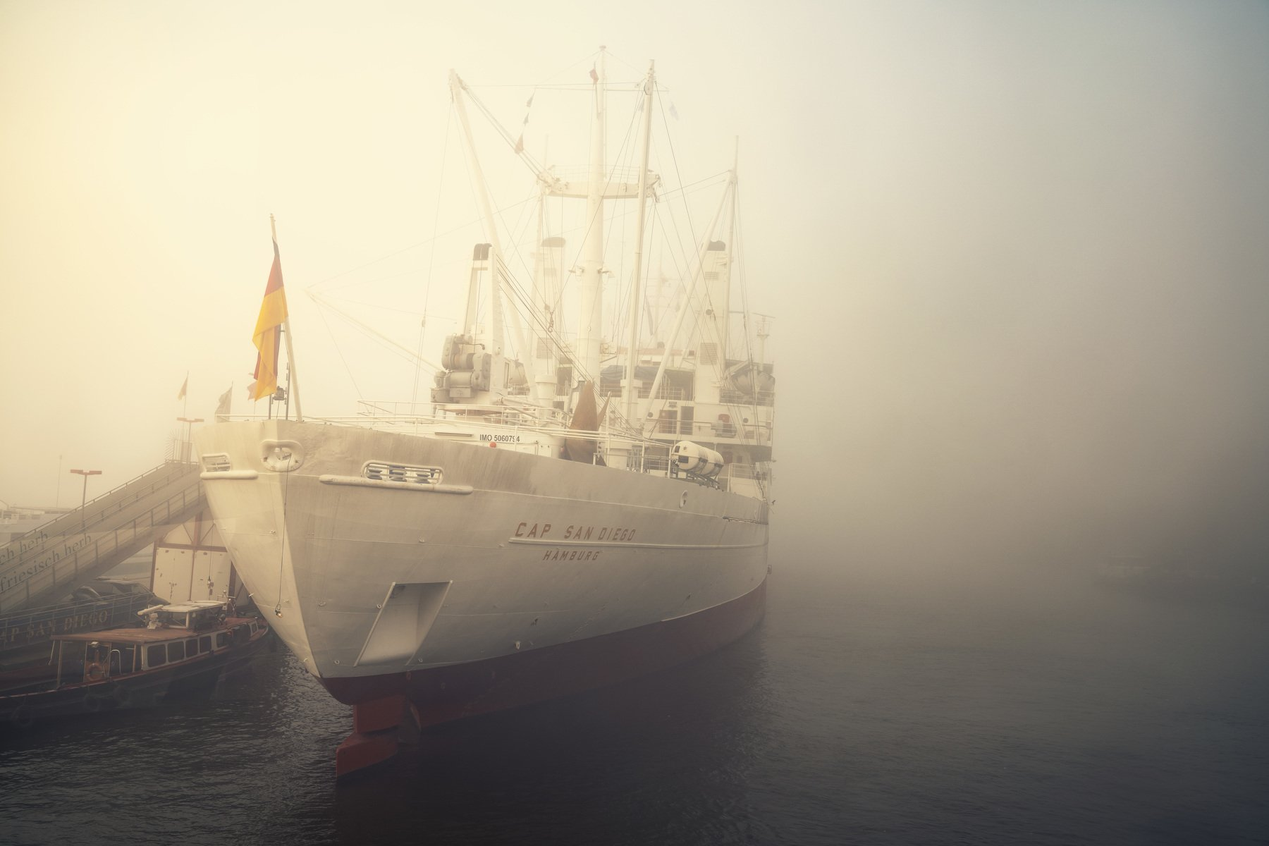 hamburg, germany, ship. fog, mist, haze, water, river, elbe, harbour, Schönberg Alexander
