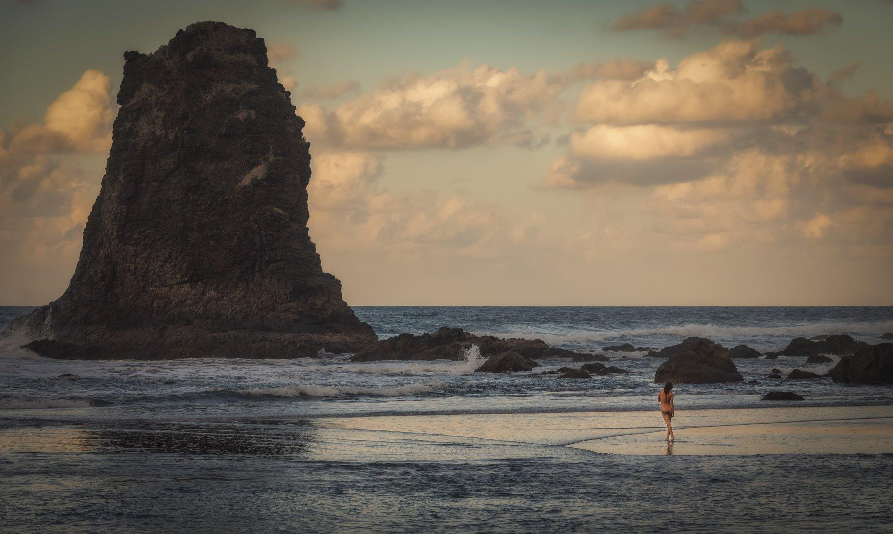 пляж, камни, девушка, Alexandr Bezmolitvenny
