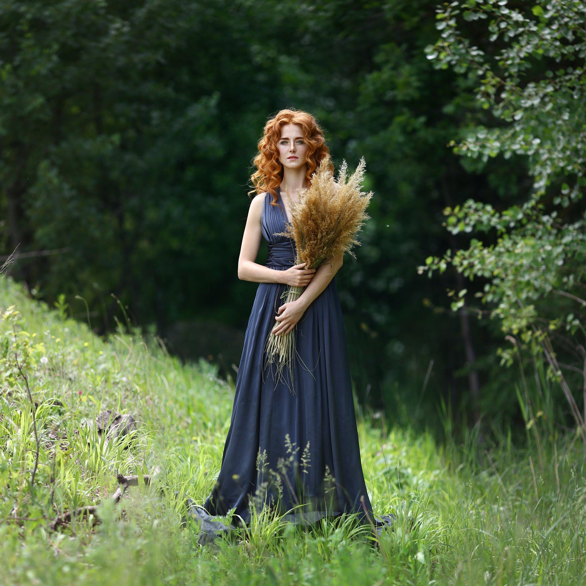 рыжая, рыжая девушка, веснушки, лето, зелень, лес, Голубятникова Ирина