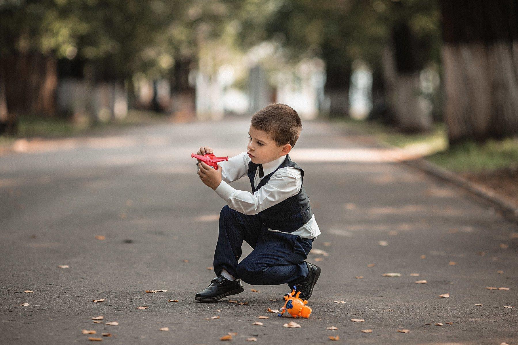 мальчик, фотосессия, лето, прогулка, парк, репортаж, дети, boy, summer, children, toys, planes, Васильев Владимир