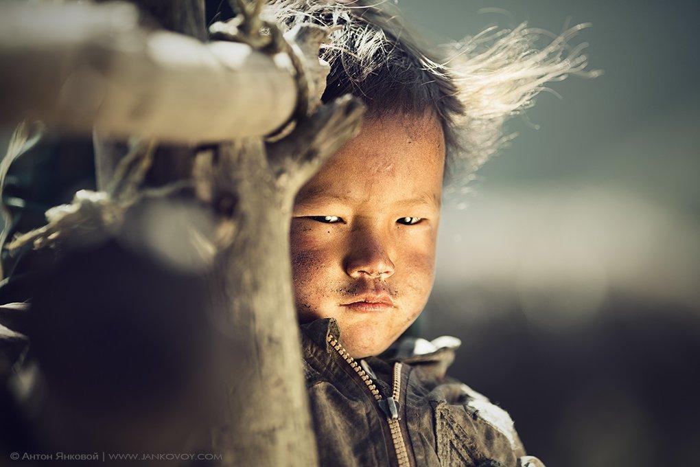 непал, гималаи, тибет, ребенок, портрет, Антон Янковой (www.photo-travel.com.ua)