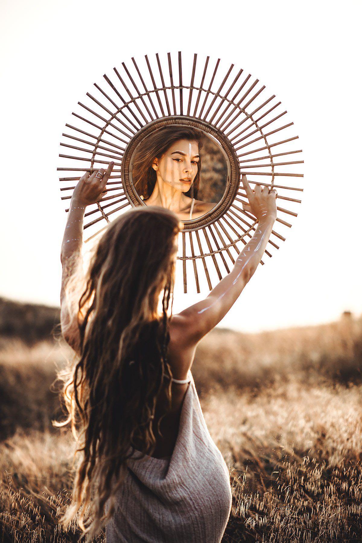 sun, mirror, dreadlocks, dreads, sunlight, sunset, field, yellow, Молочкова Ася