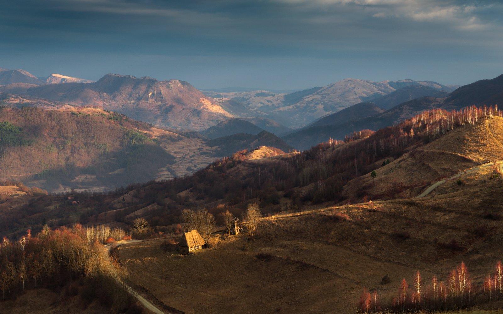 утро, холмы, румыния, домик, горы, пастораль,весна, Cтанислав Малых