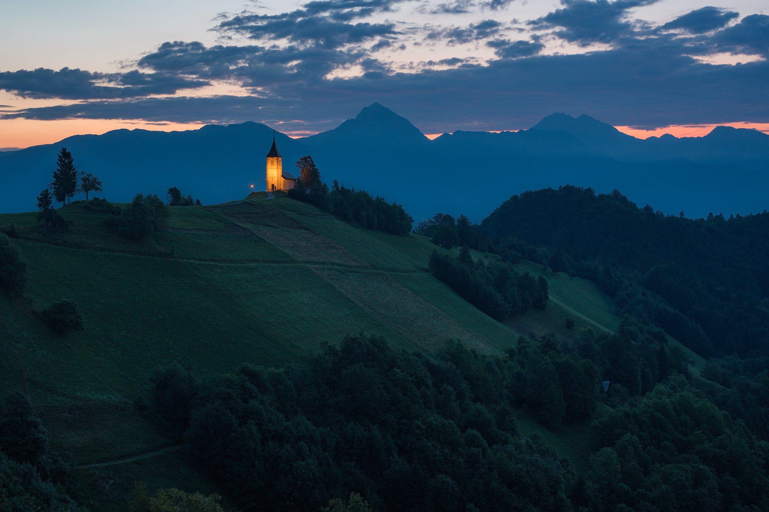 travel, landscape, morning, dawn, church, mountains, hill, путешествие, пейзаж, утро, рассвет, церковь, горы, холм, Сергей Серушкин