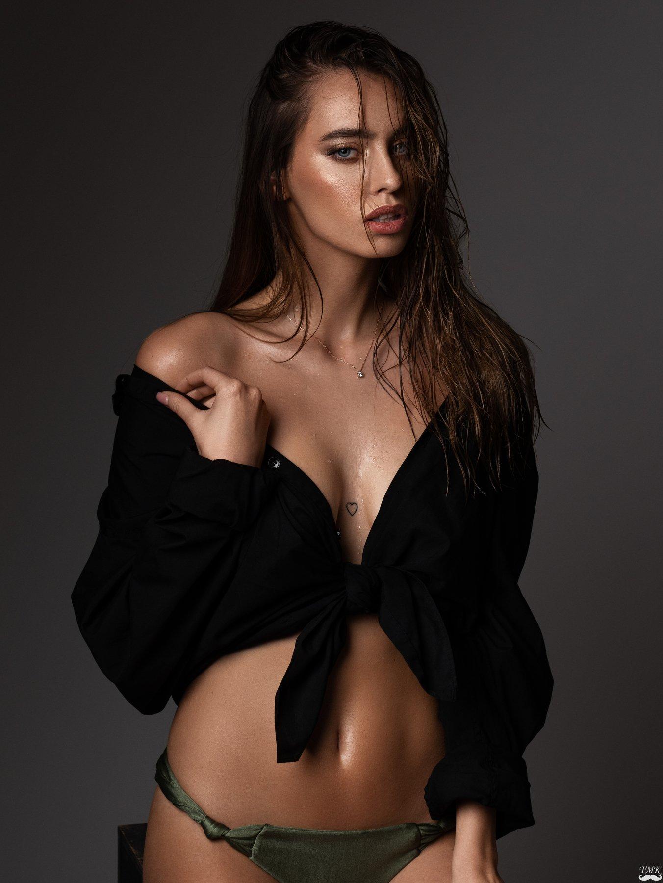 portrait, woman, studio, studio light, female, beauty, wet, water, water drops, people, look, style, tattoo, fashion, glamour, Masoit Tomas