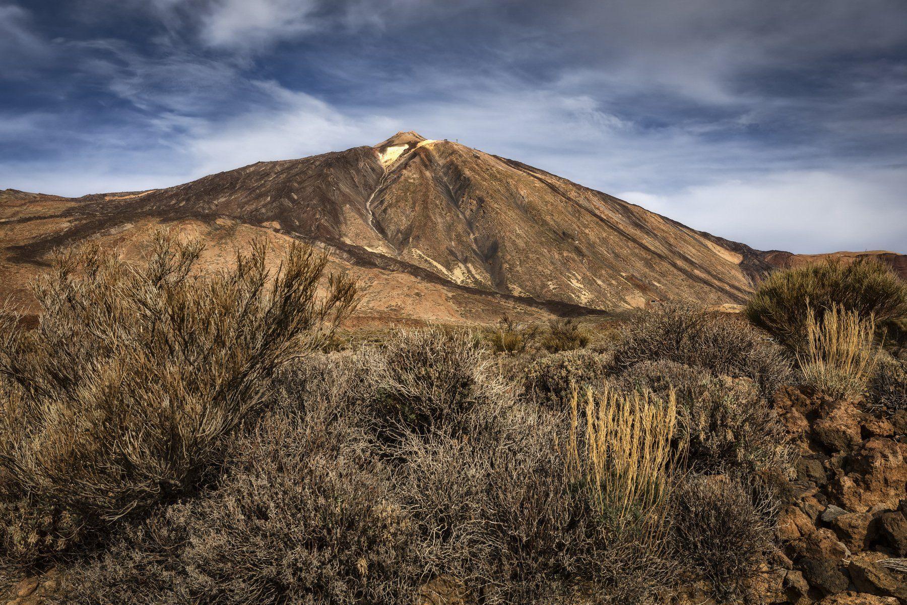 гора, вулкан, трава, Alexandr Bezmolitvenny