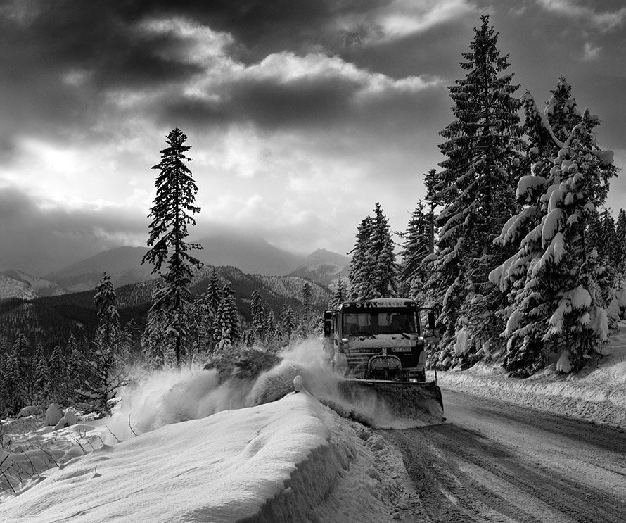 winter, snow, road, clouds, b&w, mountains, forest, truck, Marcin Tokarz