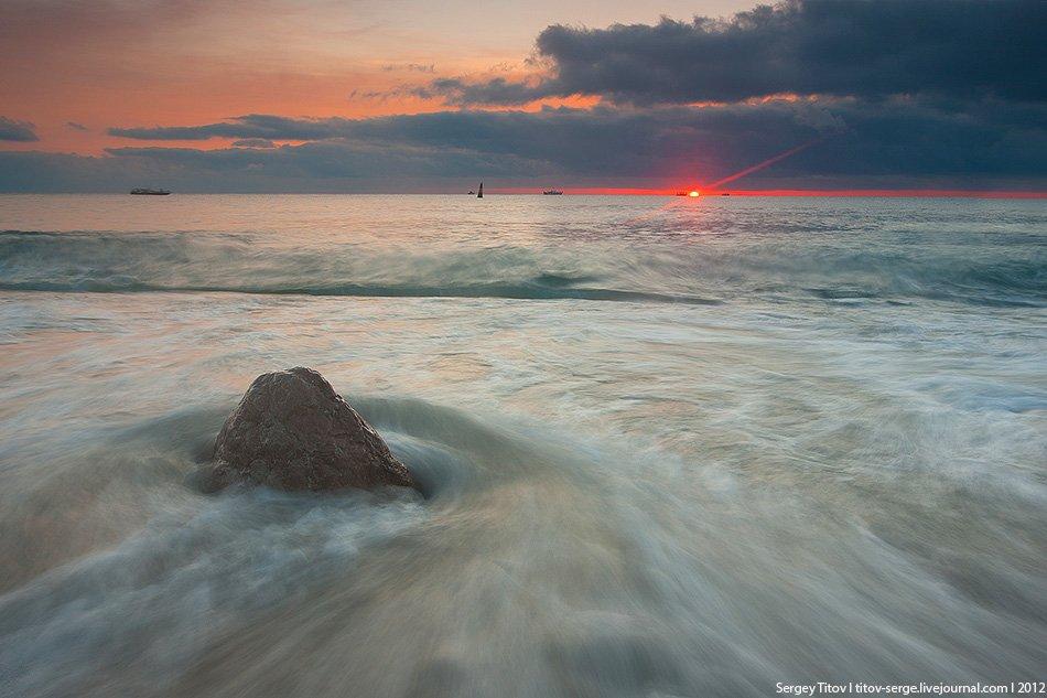 крым, море, шторм, волна, камни, пляж, ялта, Сергей Титов