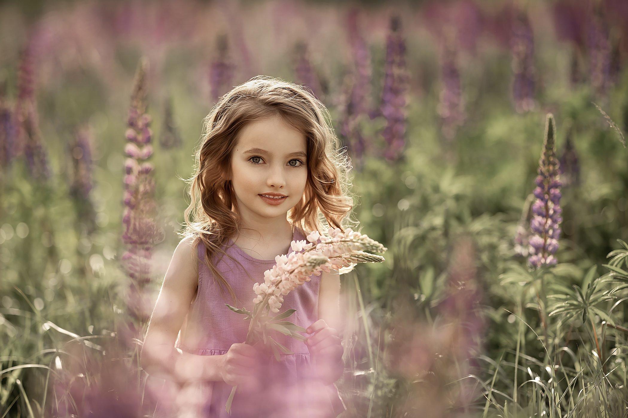 детский портрет  портрет  люпины цветы, Соловьёва Елена