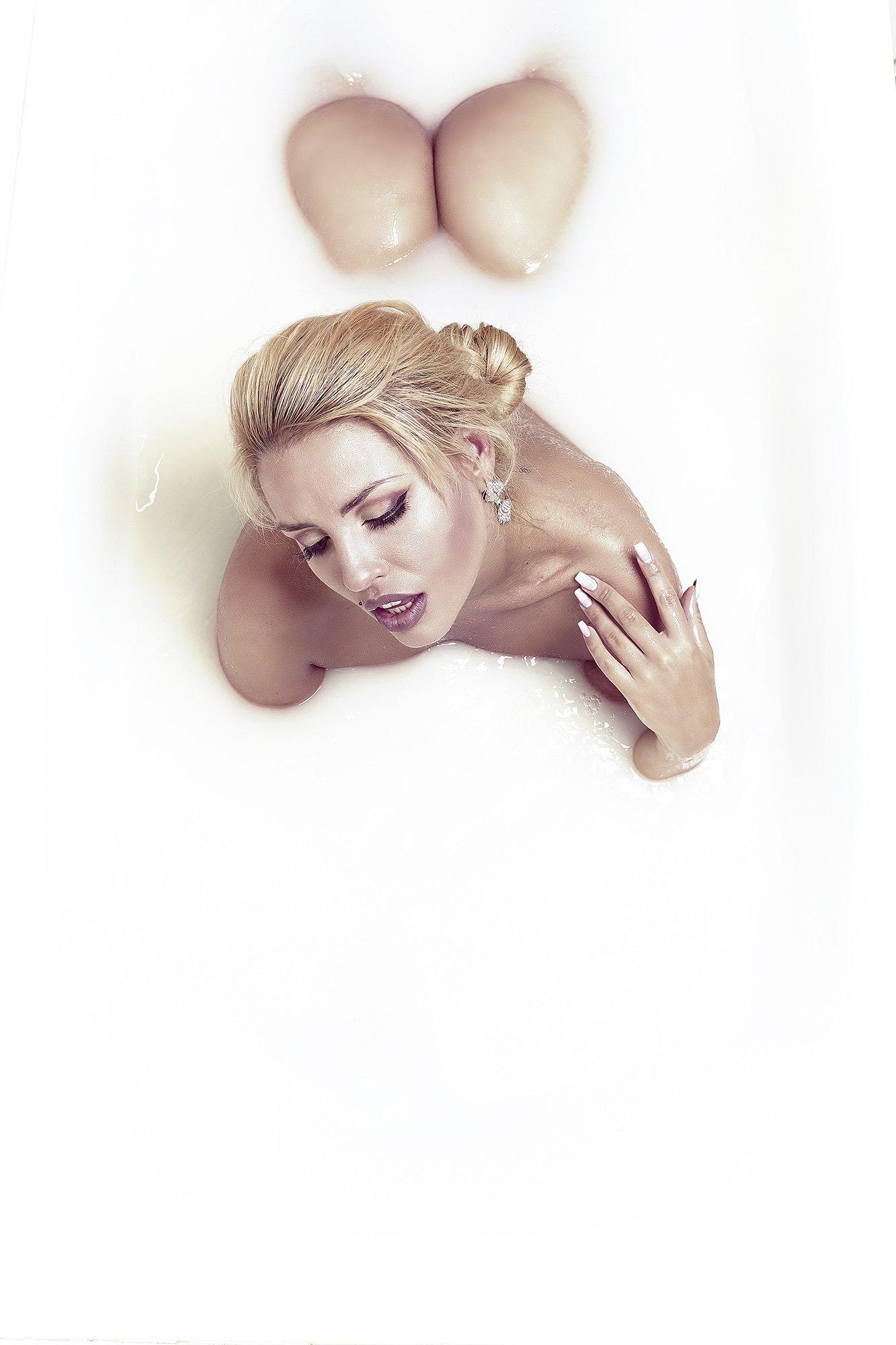 fashion, nude, white, model, girl, girls, woman, sexy, sensual, portrait, , Max Solve