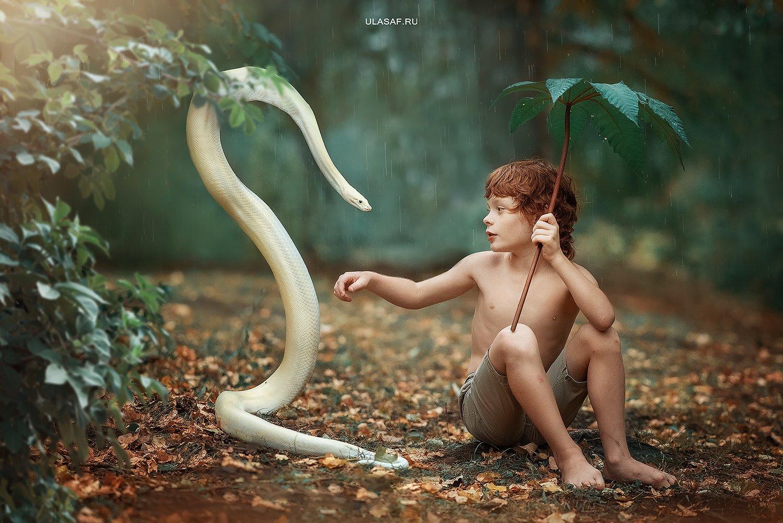 rain, дождь, осень, autumn, змея, питон, маугли, snake, python, портрет, ребенок, people, дружба, 105mm, kid, children, magik, волшебство, Юлия Сафо