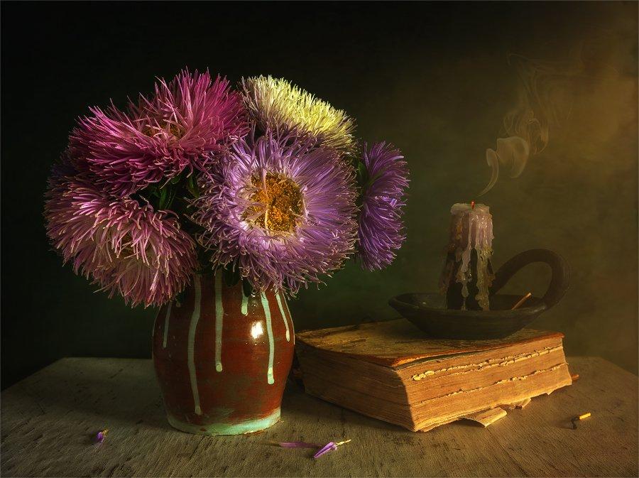 still life, натюрморт,    винтаж,    цветы,  астры, букет, книга, свеча, дым,, Шерман Михаил
