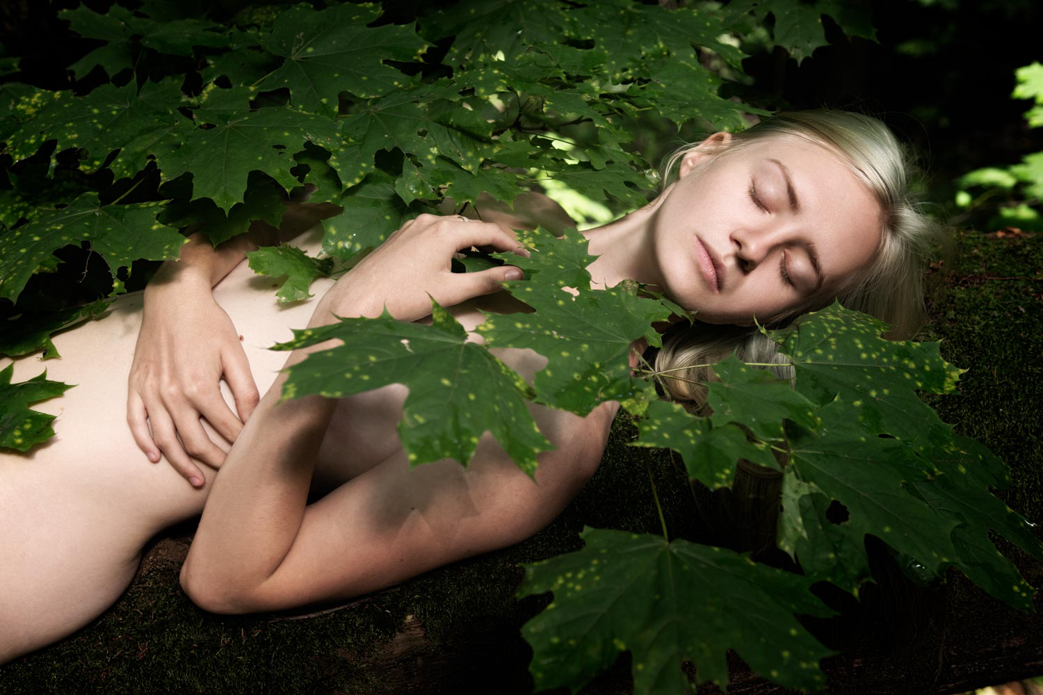 People, Female, One Person, Outdoors, Day, Nature, Leaf, Plant, Lifestyles, Beauty, Close-up, forest, mermaid, dream, sleeping, girl, lady, freshness, appeasement, young, body,, Мытник Виталий