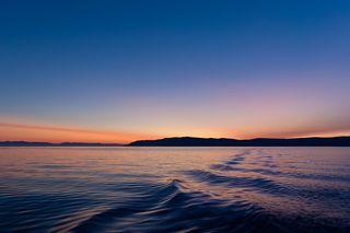 Озеро Байкал, южная часть, недалеко от места выпадения Ангары