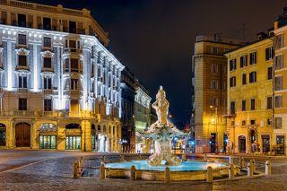 Fontana del Tritone)