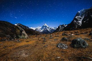 Вид на символ Гималаев - вершину Ама Даблам