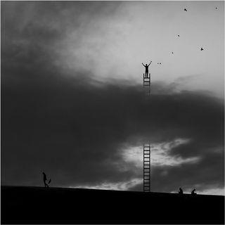 Отпуская обиды. Обиды, как черные тучи, закрывают от нас небо. Те, кто поднимаются над облаками, чувствуют себя свободными, как птицы.