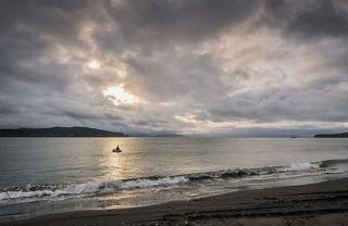 Рыбалка в Авачинской бухте. По словам рыбаков в неё периодически захаживают касатки.