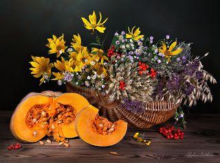 С тыквой и цветами