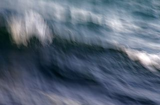 Abstract long exposure seawaves photography.