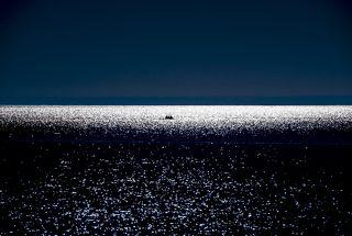 Балхаш - второе по величине после Каспия непересыхающее бессточное озеро, и 14-е в списке крупнейших озер мира