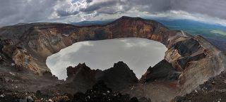 Панорама сделана с западного края кратера