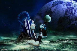 Вселенная смотрит на меня глазами цвета индиго. Пространство и время сливаются в единый пульс. Этот океан безмолвия называется Вечностью. Он кладёт на мои ладони тайны других миров. Неужели я снова одна в этом холодном космосе? И мой рай потерян в шёпоте звёзд...? - (с) Анна Бергстрем (Фрида)