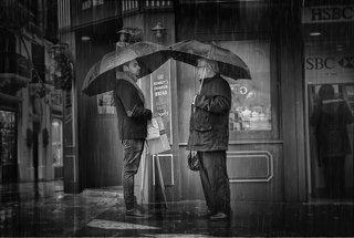 Я люблю дождь, он смывает воспоминания