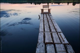 Скамья на воде