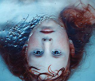 sirène  http://www.vogue.it/photovogue/Portfolio/c6e0213c-281b-40d2-844f-a386c45e5ddf/Image