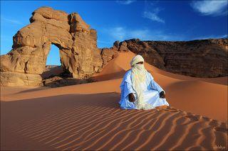 туарег в пустыне Сахара