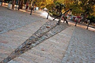 Созопль расположен к югу от Бургаса на скалистом полуострове. Это один из древнейших городов Болгарии . Он был основан в 610 году до нашей эры милетскиим греками в качестве колонии и назывался \