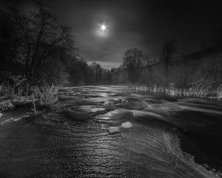 1. Moonlight Tyanuksa river...