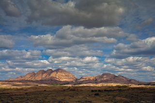 №2. Облачное небо - бесконечный источник впечатляющих свето-теневых эффектов.