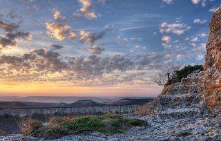 Пещерный город Тепе-Кермен. Закат.