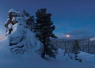 закат луны, перед рассветом