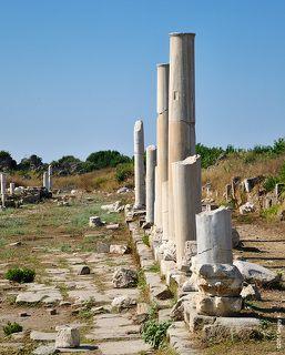 Алея древнего города Сиде