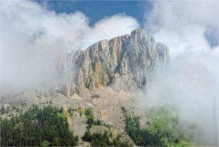 Большой Тхач в облаке