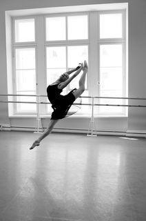 ballet,b/w
