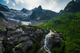 Ледник и водопад \