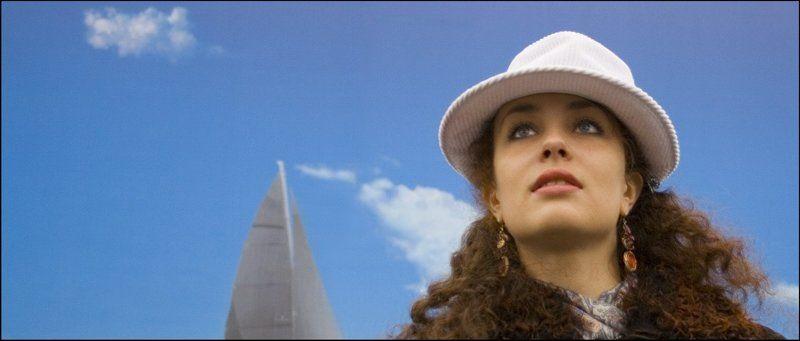 москва, девушка, шляпа, ветер, море Девушка и ветерphoto preview