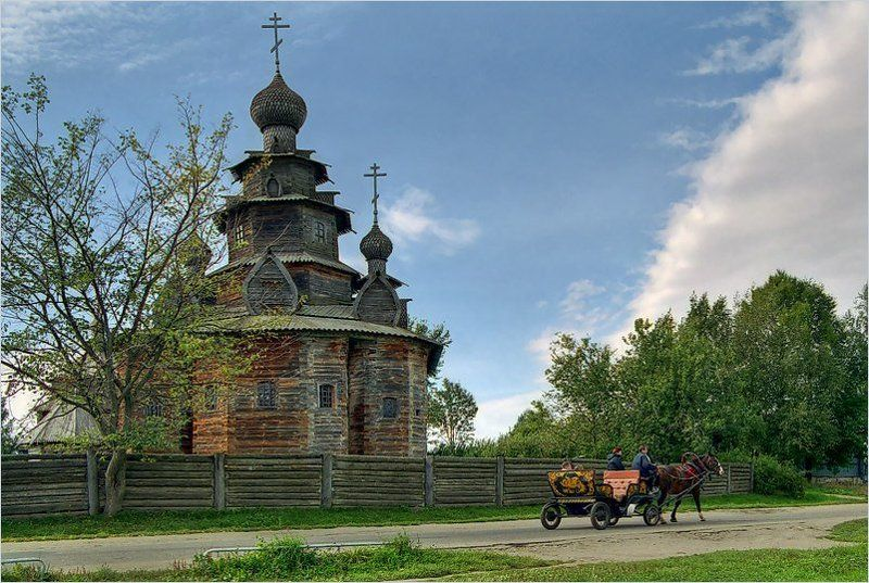 Суздаль, церковь, повозка Сентябрь. Суздаль.photo preview