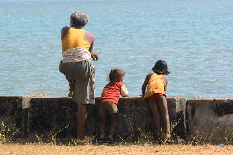 Goa Orange people - magic peoplephoto preview
