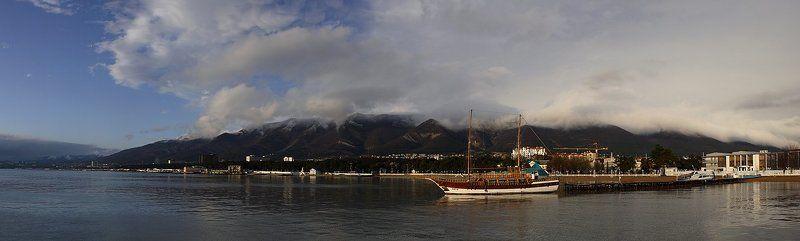 Город Геленджик море пирс панорама Замечательный город - Геленджикphoto preview