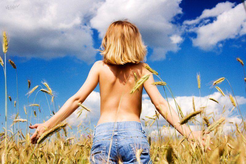 лето, поле, девушка Здравствуй!photo preview