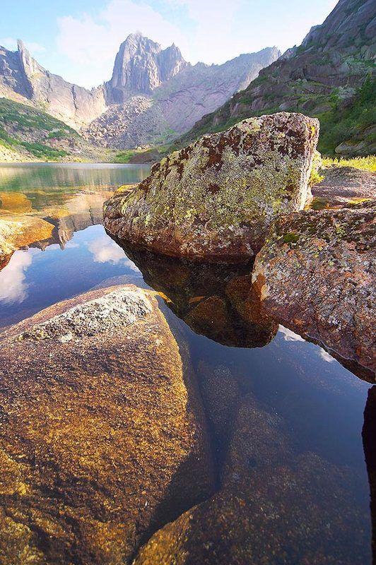 вода, скалы, камни Ергаки. Озеро Горных Духов.photo preview