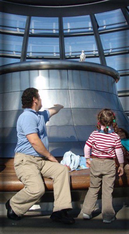 Под мирным куполом Рейхстага...photo preview